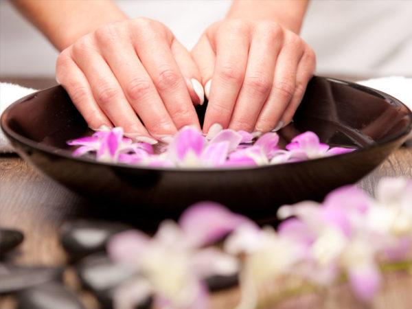 manucure soins des mains